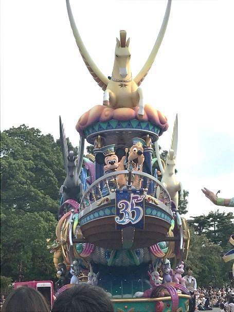東京の応援ナースの休日はやっぱりディズニーランド!この時は35周年でした。
